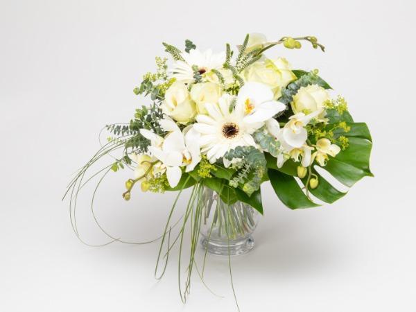 'Runsas' -näyttävä kukkakimppu